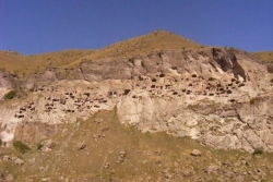 Dzień 7. Skalne miasto - Wardzia.