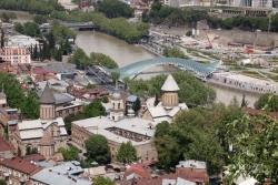 Dzień 2. Panorama Tbilisi z twierdzy Narikała.