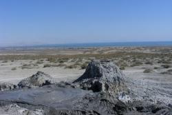 Dzień 10. Jeden z wulkanów błotnych w Gobustan.